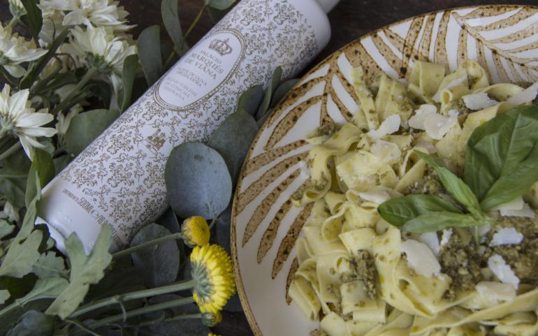 Pasta with Pesto and Palacio Marqués de Viana Blend EVOO