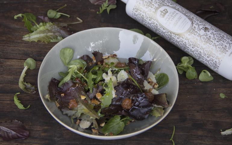 Winter salad with EVOO Blend The Palace